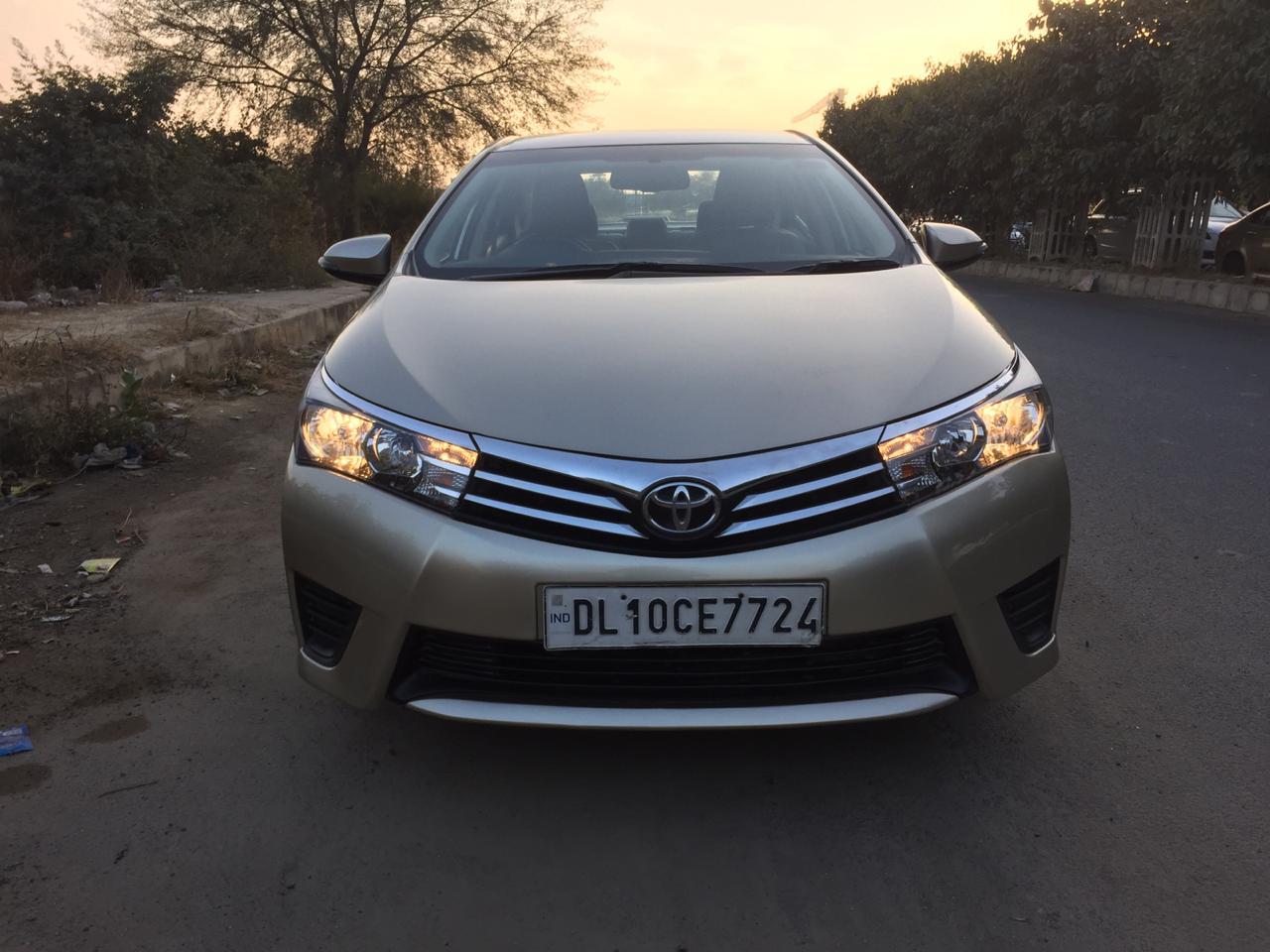 Secondhand Corolla Altis-G car in Dwarka and Uttam Nagar